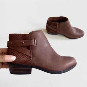 Clarks Addiy Gladys ankle Boot bootie Tan Leather